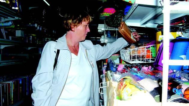 Rodiče nakupují potřeby pro školáky většinou až na poslední chvíli