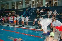 Jednou z disciplín sobotních závodů záchranářů bude plavání za ztížených podmínek, tedy v šatech