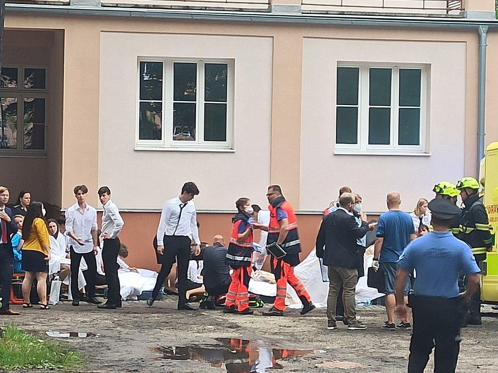 V sokolovské střední škole zkolabovalo dvacet studentů
