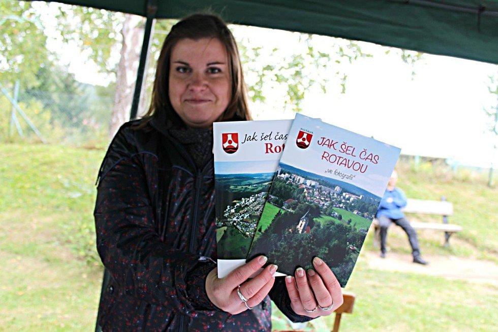 Rotava vydala k výroční hned dvě publikace.
