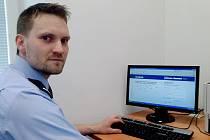 PŘÍPADY internetové kriminality se množí, upozorňuje odborník Roman Kohout. Ohroženi jsou i běžní uživatelé e-mailových nebo facebookových účtů.