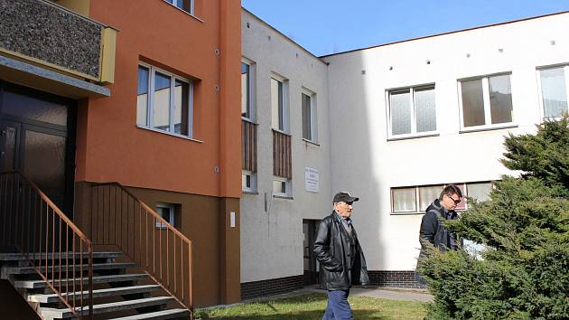 Hospodářskou budovu domu s pečovatelskou službou čeká rekonstrukce.