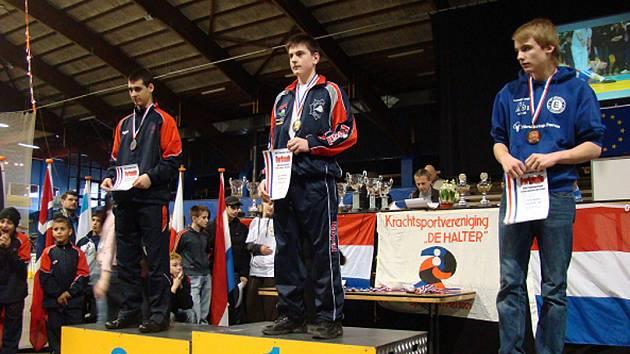 Pavel Peterka ml. po vyhodnocení žákovské kategorie do 85 kg.