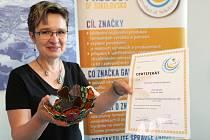 Originálním produktem Sokolovska jsou vitráže z Chlumu a Havířova sůl z Rychnova.