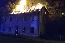 Škodu za milion korun způsobil požár, který vznikl v noci na pondělí 11. října u vlakového nádraží v Lokti.