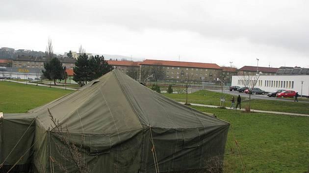 Bezdomovci v Sokolově mají vyhřívaný stan