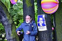LIDÉ V SOKOLOVĚ vzpomněli ´Zahradní slavností´ na nedožité narozeniny Václava Havla.