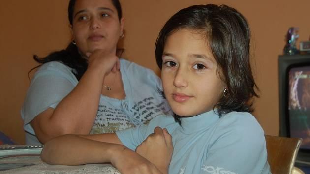 Osmiletá Nela je už doma v Chodově.
