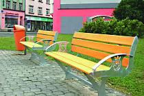 Nové lavičky se znakem Kraslic.