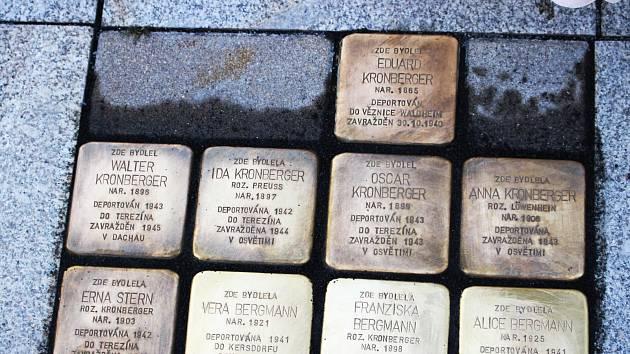 Kameny zmizelých připomínají i v Chodově oběti holocaustu. K současným čtrnácti přibudou další dva.