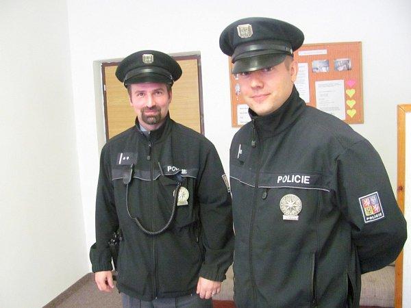 Volební místnosti kontrolují také policisté ze sokolovského obvodního oddělení.