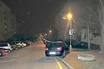 Opilá řidička nabourala v Sokolově hned tři auta.