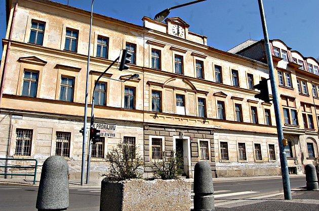 KRASLICE jednají o odkoupení objektu bývalé radnice v centru města.