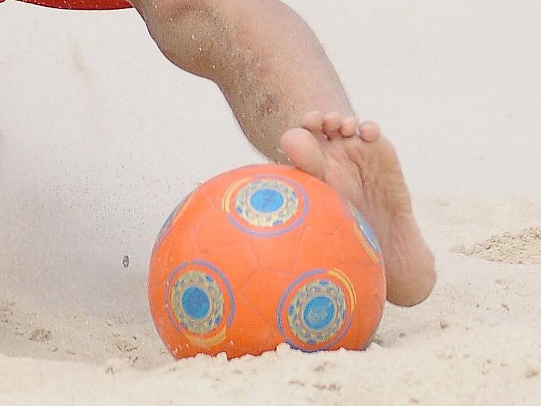 Plážový nohejbal