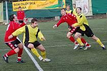 Krajský Fincentrum přebor: Spartak Chodov (ve žlutém) - Union Cheb