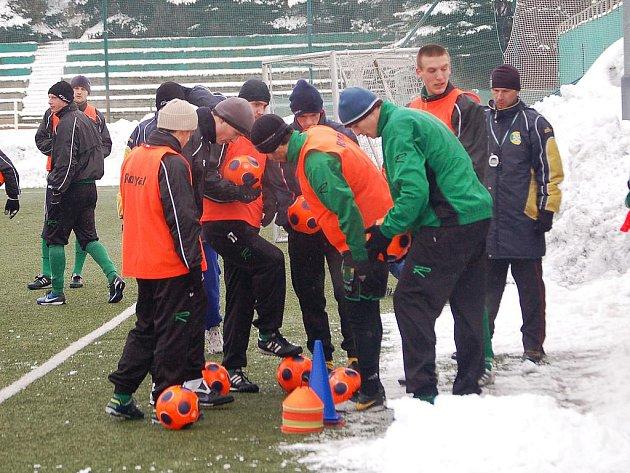 Fotbalisté Baníku Sokolov se poctivě připravují na jarní část sezony