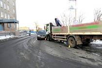 POLICIE HLEDÁ svědky nehody, která se stala u Sokolovských technických služeb.