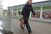 DVEŘE supermarketu  v Rotavě se uzavřely už v polovině ledna. Nový provozovatel už připravuje vše na znovuotevření. Přesný termín ale ještě nedokáže říct. Bude to ale už v březnu.