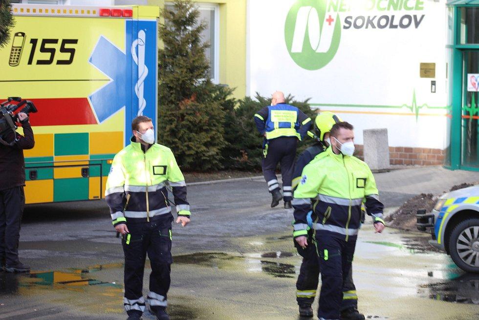 Nemocnici Sokolov opustilo v pátek 19. února 10 covidních pacientů a zařízení se tak uvolnily kapacity před náročným víkendem.