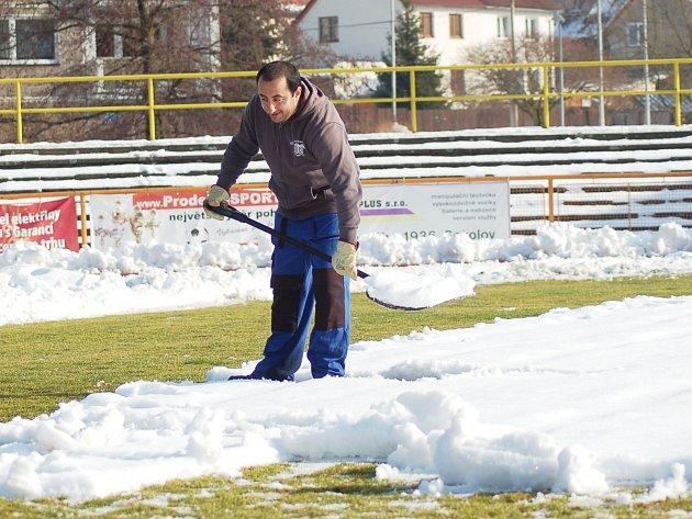 V Sokolově se připravuje hřiště na start jarní části Fotbalové národní ligy