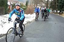Cyklisti si v Chodově užili první vyjížďku.