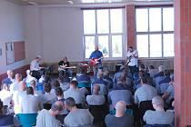 Koncert v kynšperské věznici.
