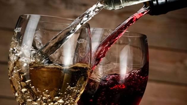 Vinobraní je připraveno v hotelu U Bílého koně v Lokti.