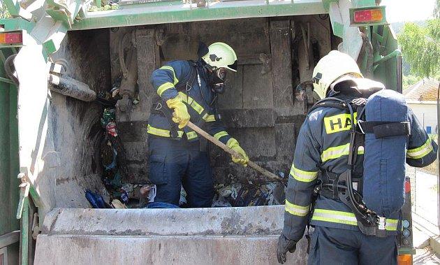 Zásah hasičů v Březové.