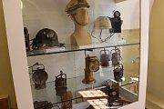 Výstava Pobočky se představují v přízemí sokolovského zámku přibližuje Důl Jeroným, štolu č.1 v Jáchymově a Hornické muzeum Krásno.