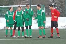 Zimní turnaj SSZ: BU Nové Sedlo - Spartak Chodov B (v červených dresech)