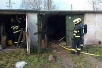V Citicích lehla popelem garáž, škoda je sto tisíc korun.