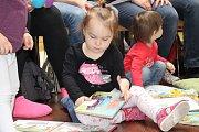 Do mezinárodního projektu Bookstart se zapojily knihovny v Lokti a Chodově.