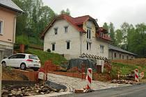 Postavte dům, zaplatíme vám 50 tisíc, vzkazuje město Kraslice