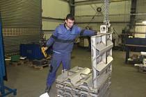 FIRMA PBS Technics nakoupila moderní CNC stroje a vybudovala novou lakovnu.