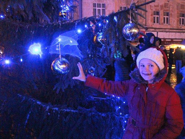 Rozsvěcení vánočního stromu v Kraslicích.