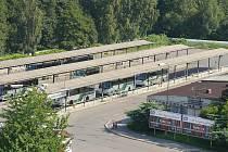NA bývalém autobusovém nádraží v Sokolově by mělo vyrůst záchytné parkoviště.