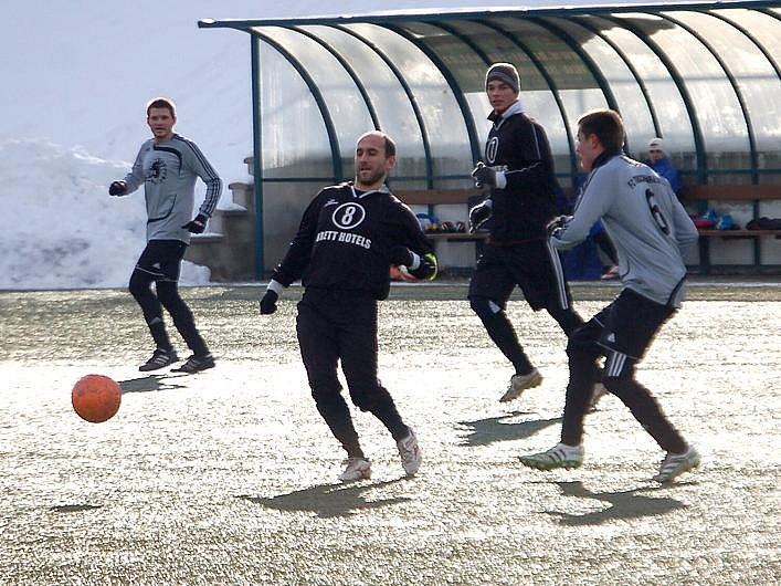 Zimní turnaj FK Baník Sokolov: DDM Stará Role - FC Tirschenreuth