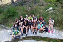Knihovníci se s dětmi vydali na tradiční výlet ke Komářím rybníkům.