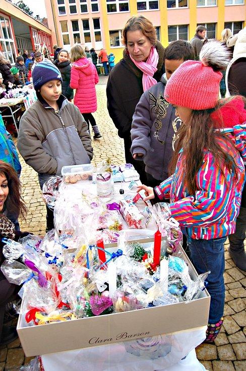 Školní vánoční trhy v Kraslicích.