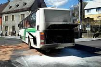 V Jindřichovicích hořel autobus s dvaceti cestujícími.