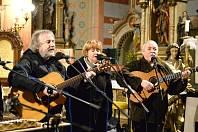 Skupina Roháči zahrála pro Nadační fond Ještěřice.