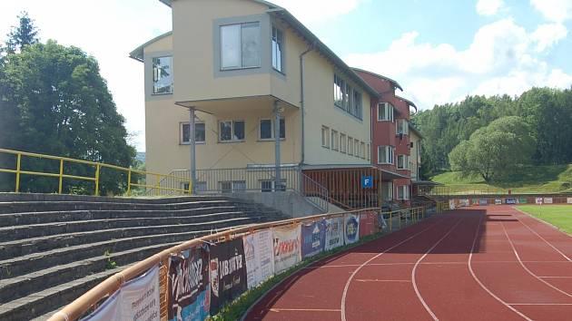 O sportovní areál Baník by se měly v budoucnu starat pouze Sokolovské technické služby