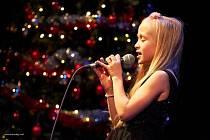 Nella Zámková z Kraslic má velký sen - chce se stát zpěvačkou.