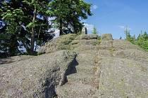 Vrch Špičák u Přebuzi je místem, kam se můžete vydat na výlet.