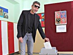 Miroslav Balatka volí při 2.kole senátních voleb
