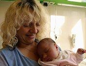 Lucie Malíková se v chebské porodnici poprvé rozkřičela ve středu 8. dubna v 5.40 hodin. Vážila krásných 3 520 gramů a měřila 50 centimetrů. Tatínek Petr se už nemůže v Březové u Sokolova dočkat, až se domů vrátí maminka Miluška s malou Lucií.