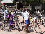 Darujte kolo pro Afriku.