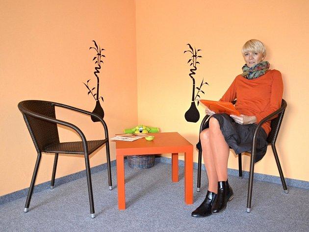 NOVÁ kontaktní místa pro oběti domácího násilí byla otevřena v kraji. Na snímku je odbornice Eva Chalupníková Doležalová, která bude působit v Kraslicích.