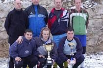 Vítězné mužstvo Huli team z Březové.