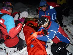 Horští záchranáři v akci, tentokrát to bylo naštěstí jenom v rámci cvičení.
